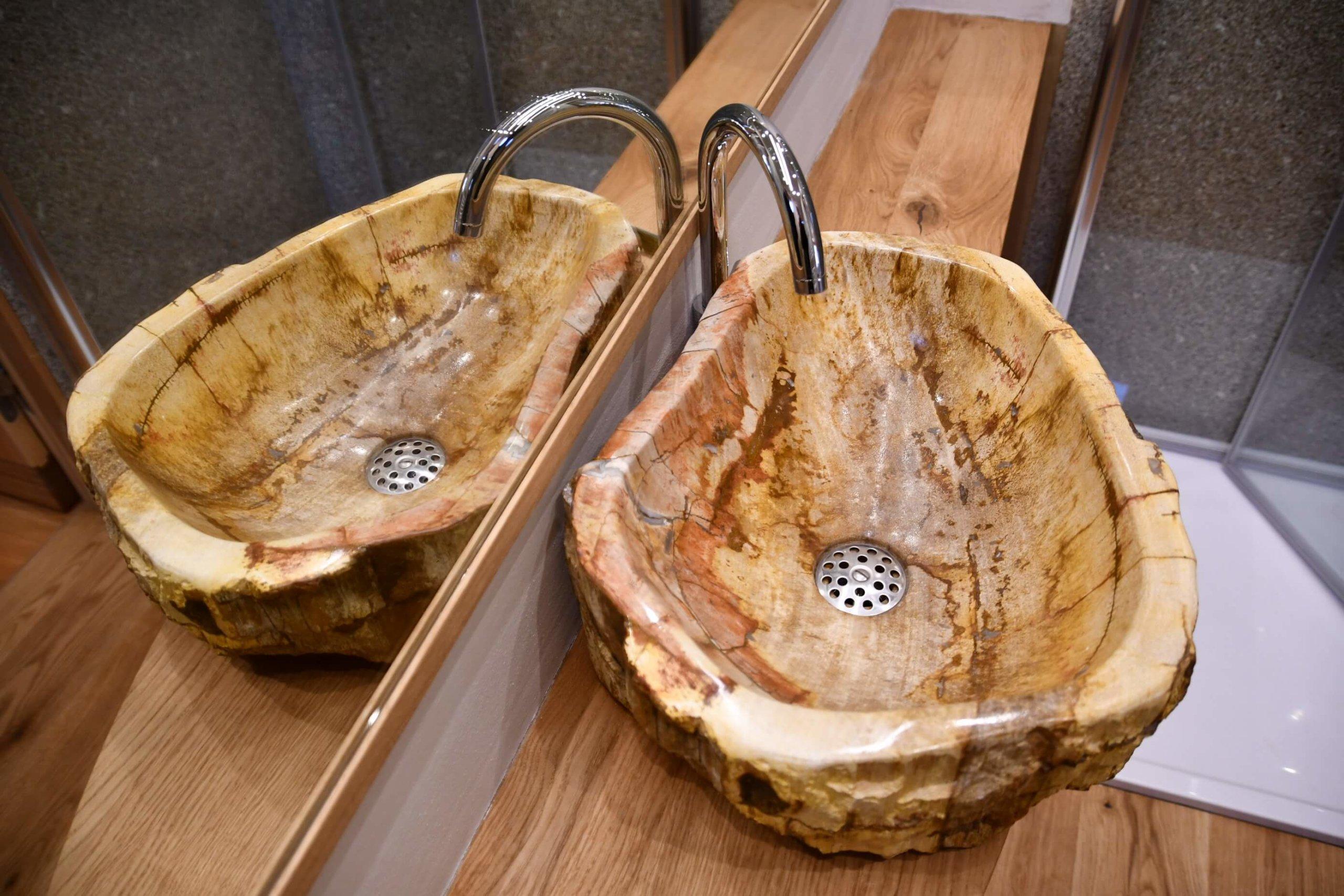 Naturstein-Waschbecken